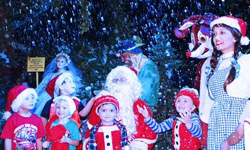 The_Wizard_of_Oz_Christmas_Walk3